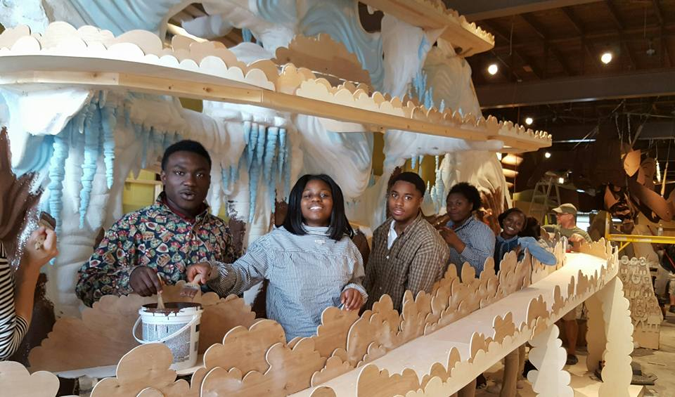 Howard High School students working with Wayne White on Magic Lookout Mountain